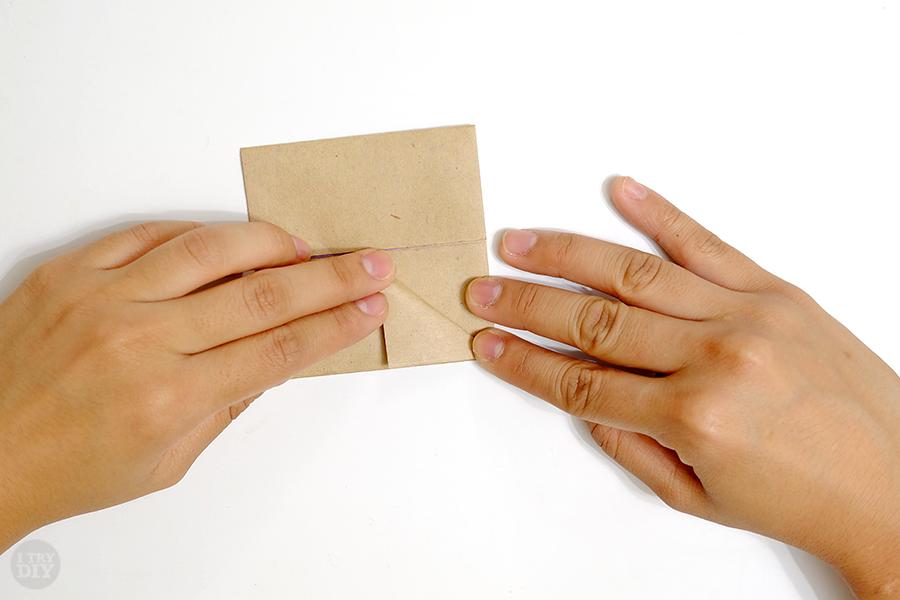 Оригами подставка для яиц-сложите первый угол