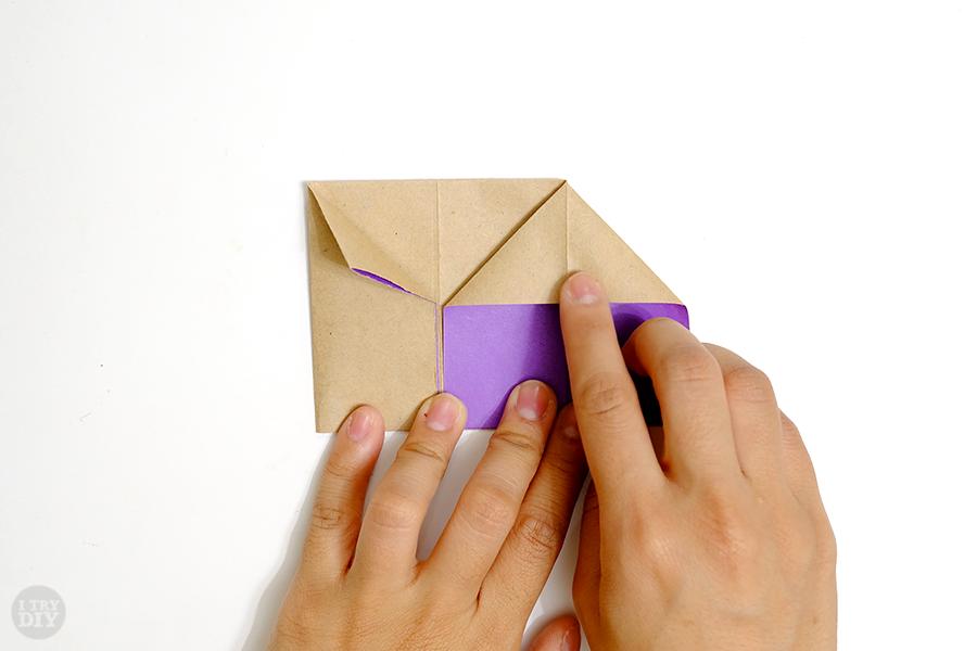 Оригами подставка для яиц-раскройте правый угол
