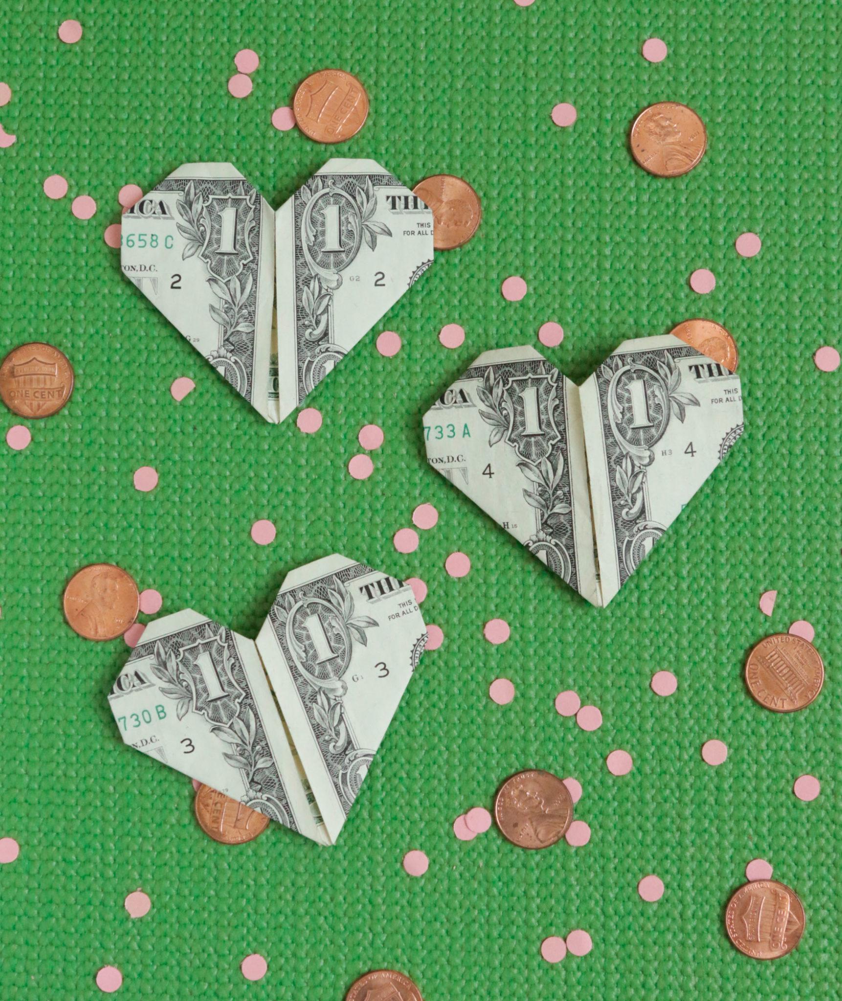 Сердечко оригами из денег
