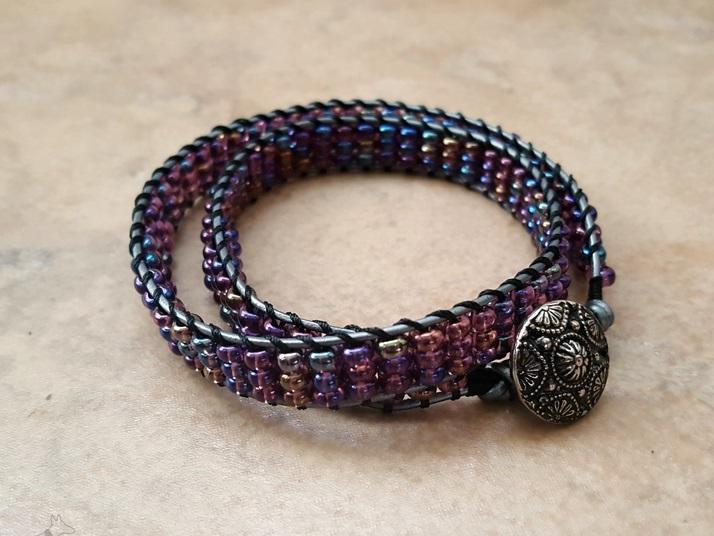 Простой браслет из бисера-двойное плетение