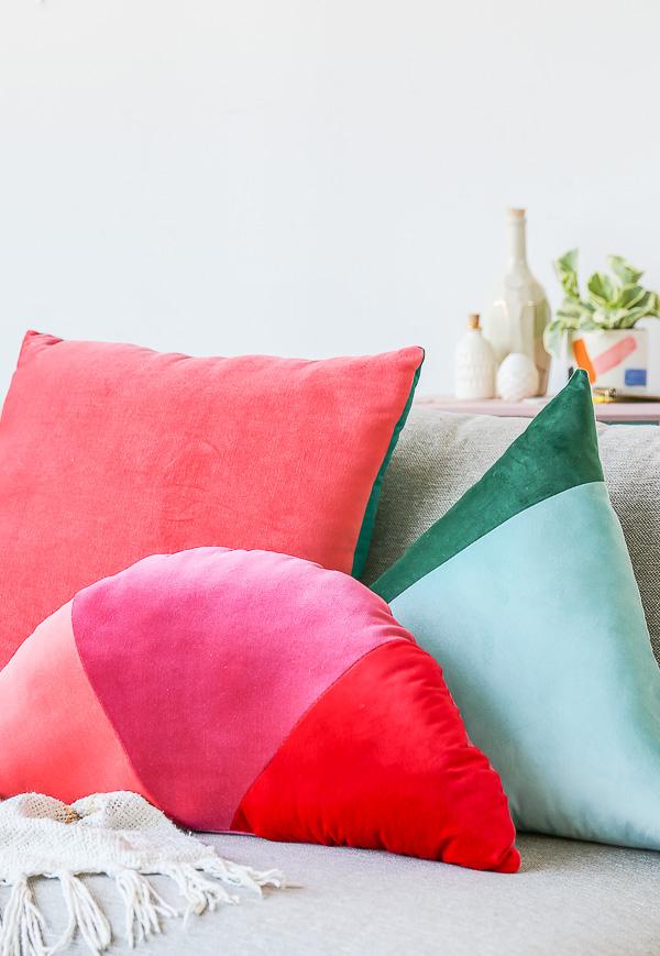 Как сшить декоративную подушку - готовая работа