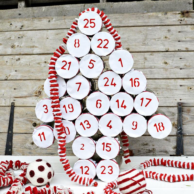 Адвент календарь из жестяных банок -