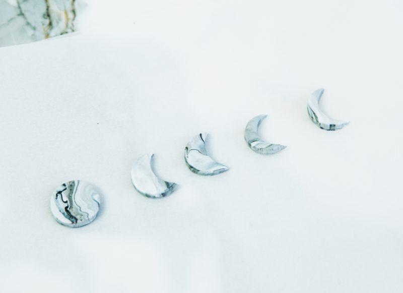 Украшения из полимерной глины - сделайте из кругов полумесяцы