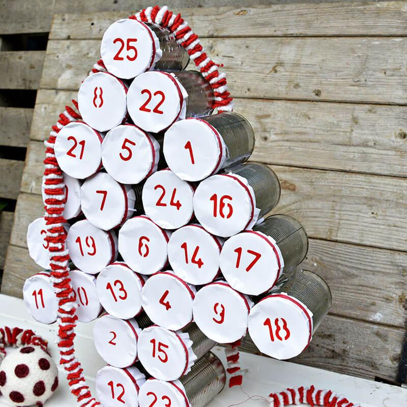 Как сделать анвент календарь из жестяных банок - готовая работа