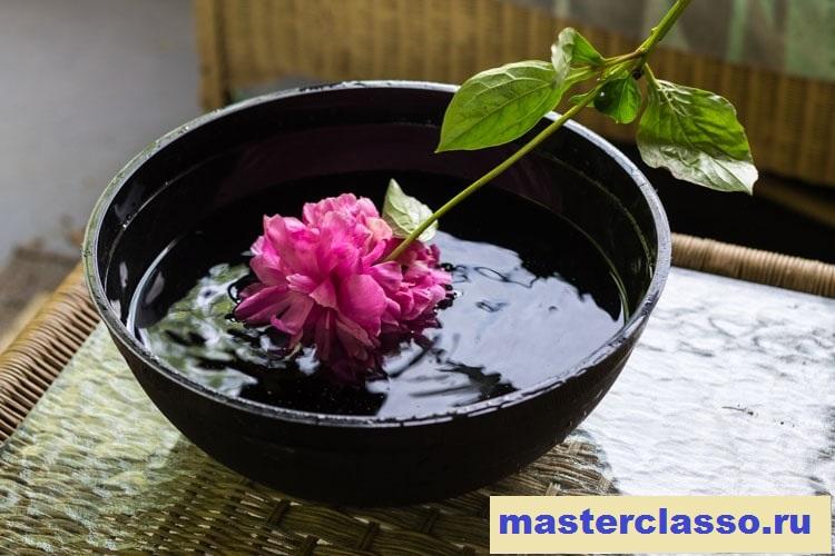 Венок из цветов - вымойте пионы