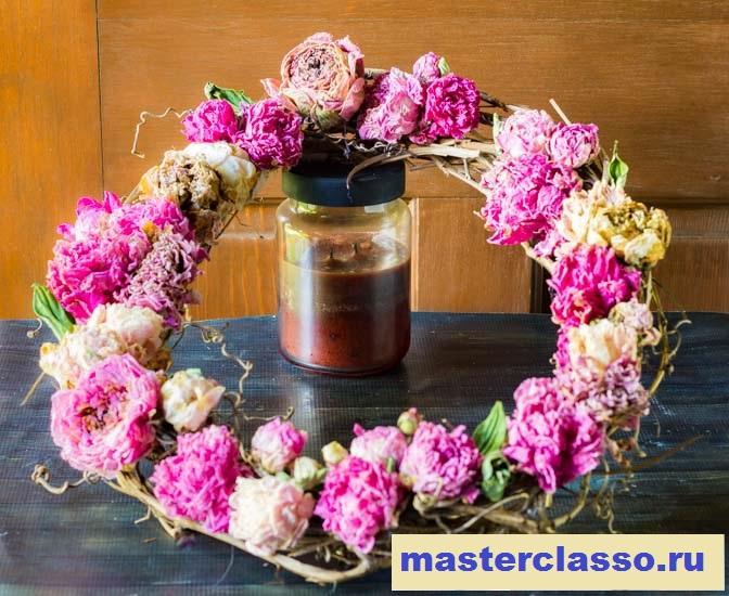 Венок из цветов - готовое изделие