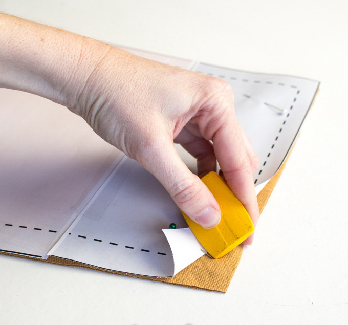 Как сшить фартук своими руками - отметьте точки для размещения карманов