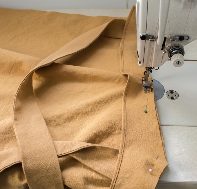 Как сшить фартук своими руками - сшейте детали тела и шеи вместе