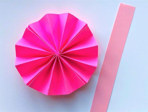Елочные украшения из бумаги своими руками - вырежьте тонкую длинную полоску
