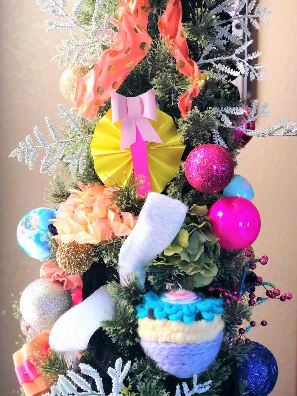 Елочные украшения из бумаги своими руками на елке