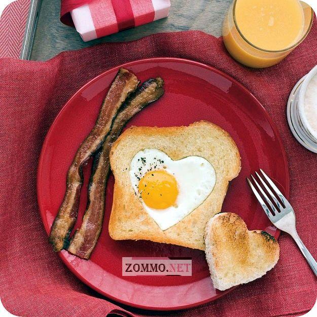Сердцеобразный тост на завтрак