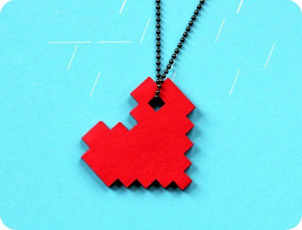 Ожерелье пиксельное сердце