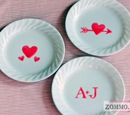 Украшаем посуду на День святого Валентина своими руками