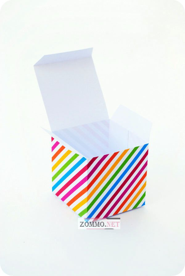 Бумажная подарочная коробочка