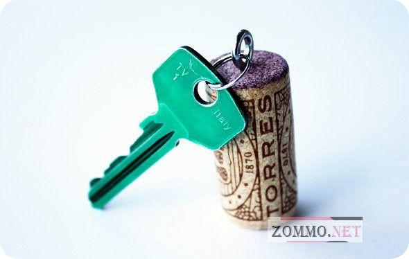 Брелок для ключей из винной пробки