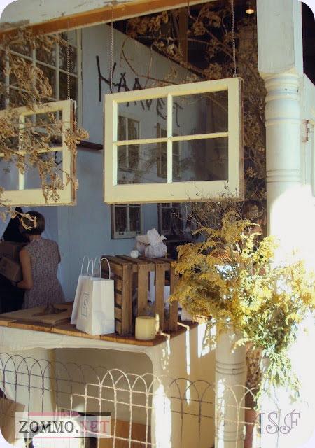 Старые оконные рамы в декоре