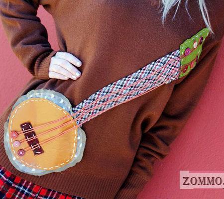 Вышиваем гитару на свитере