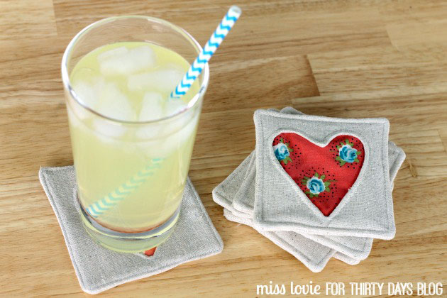 Подставка для стакана с сердечком