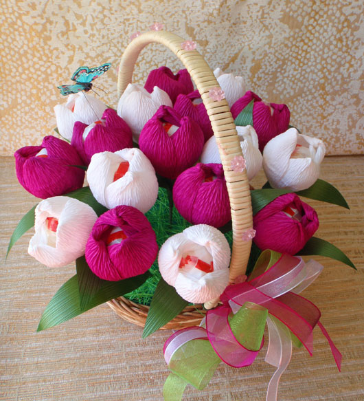 Букет тюльпанов из конфет