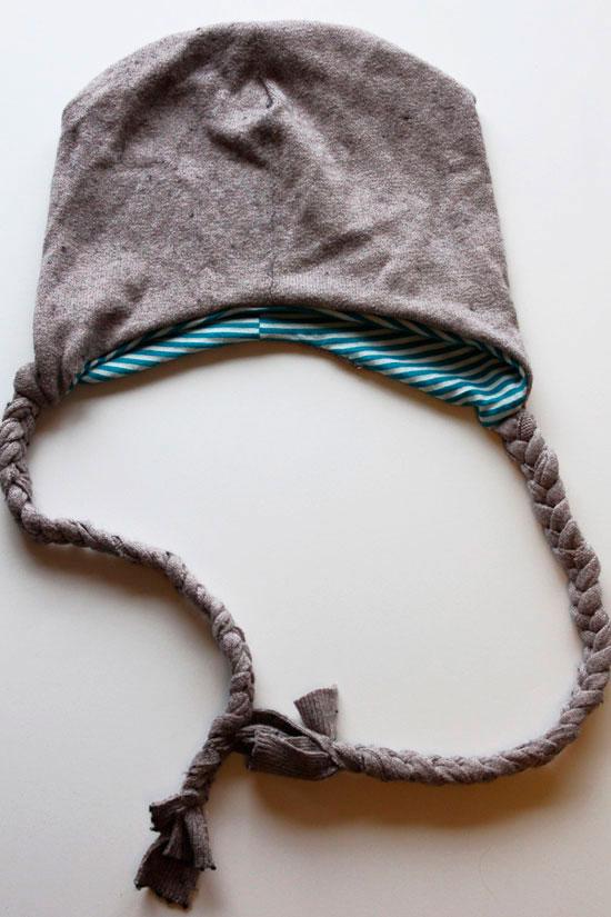Шапка из старого свитера своими руками