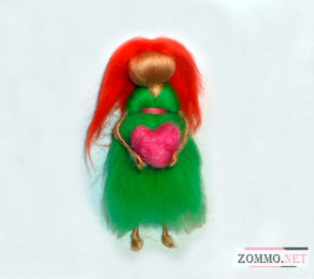Рыжая куколка из шерсти