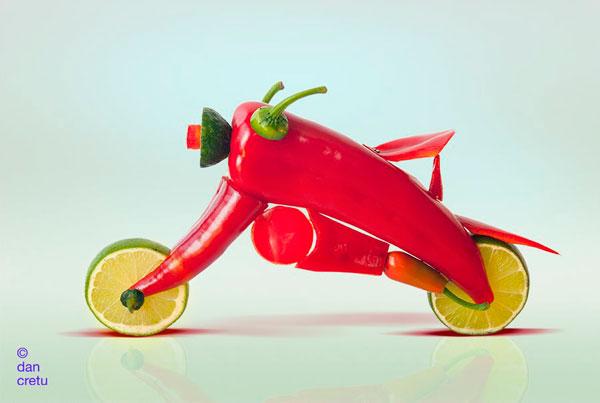 Мотоцикл из овощей и фруктов
