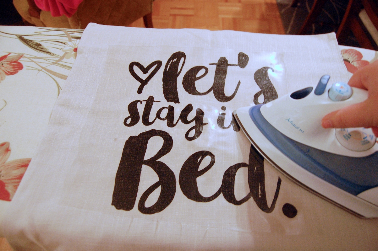 Подушка с надписью 4