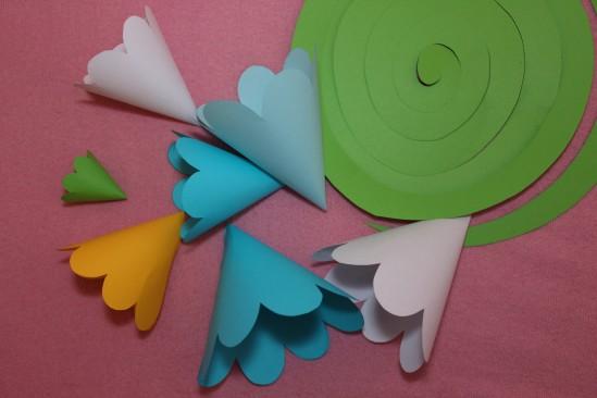 Гирлянда из бумажных цветов 5