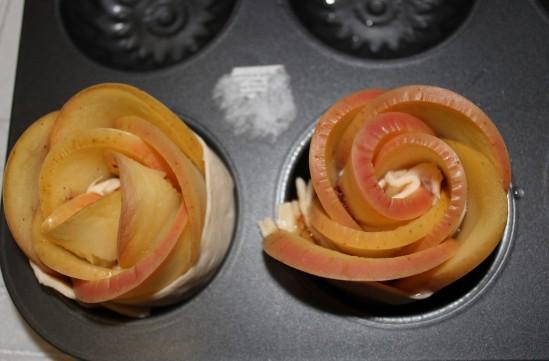 Розы из яблок 6