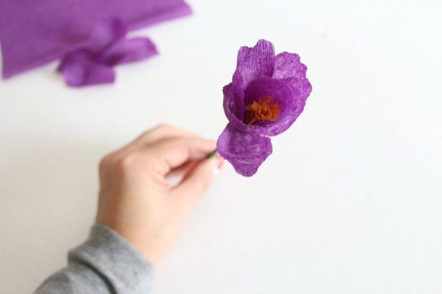 Крокусы из бумаги-цветок готов