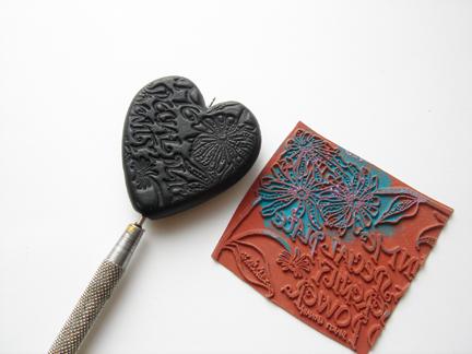 Кулон из глины-обратная сторона сердечка