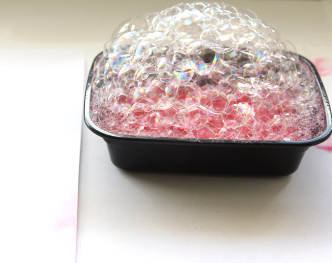 Открытка с гортензиями из мыльных пузырей-делаем красные пузыри