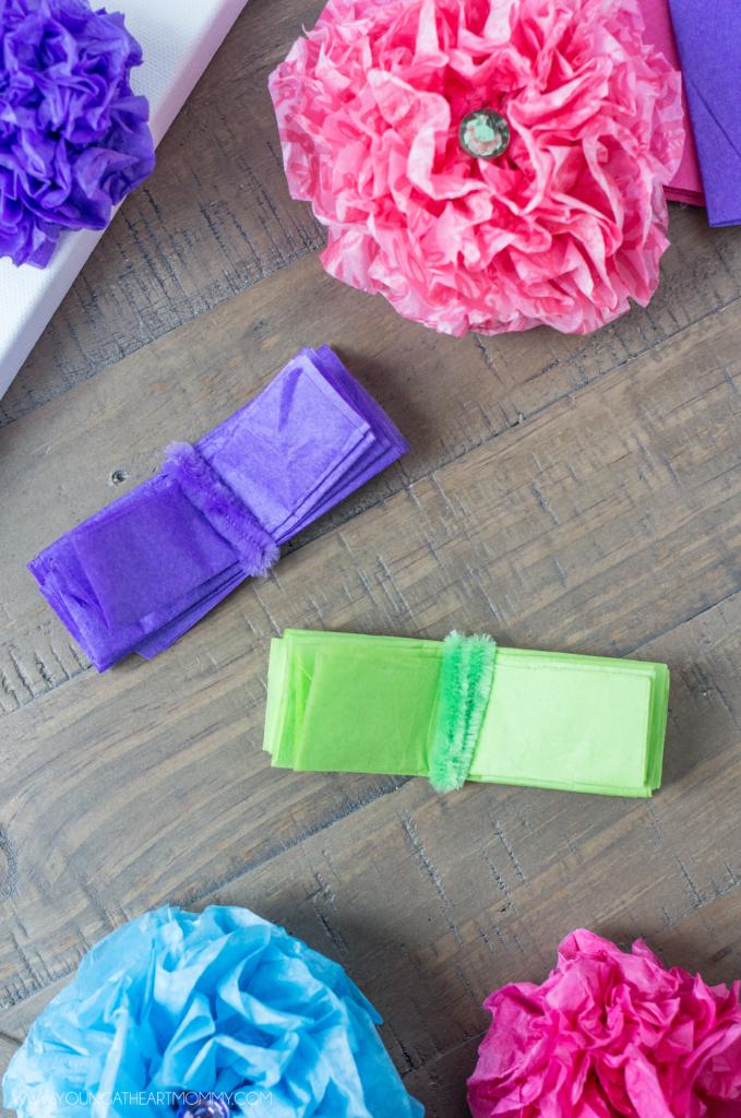 Открытка с цветами-оборачиваем бумагу проволокой