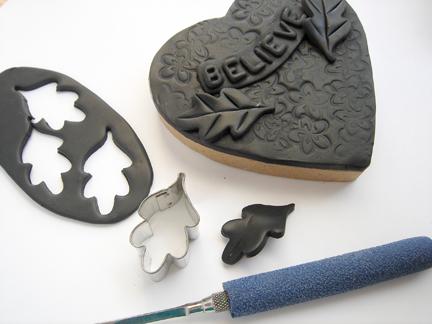Шкатулка из полимерной глины-вырежьте листики