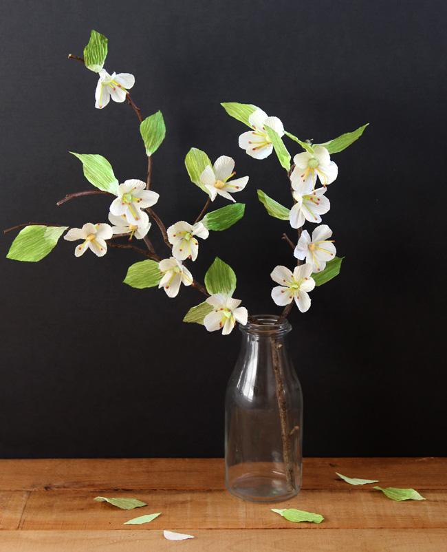 Цветы вишни из гофрированной бумаги