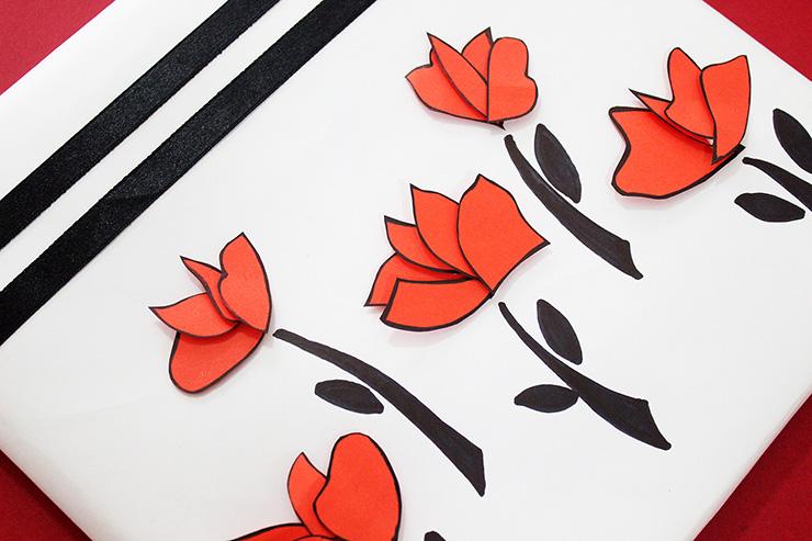 Упаковка подарков в японском стиле- цветки вблизи