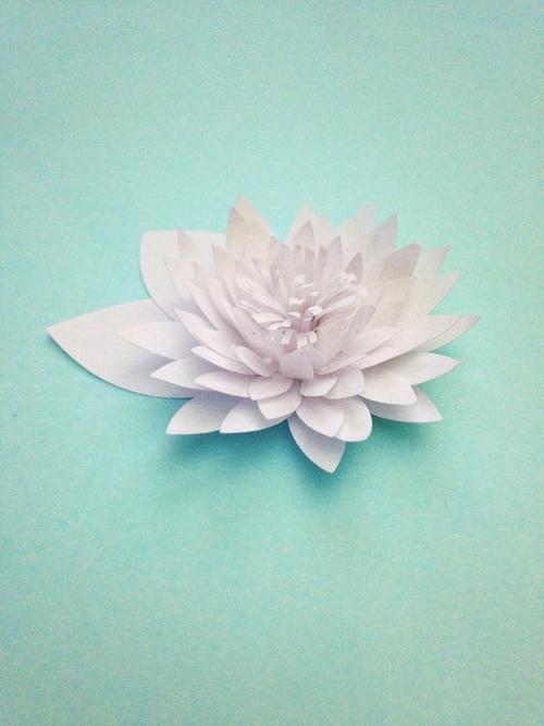 Водяные лилии из бумаги-готовый цветок