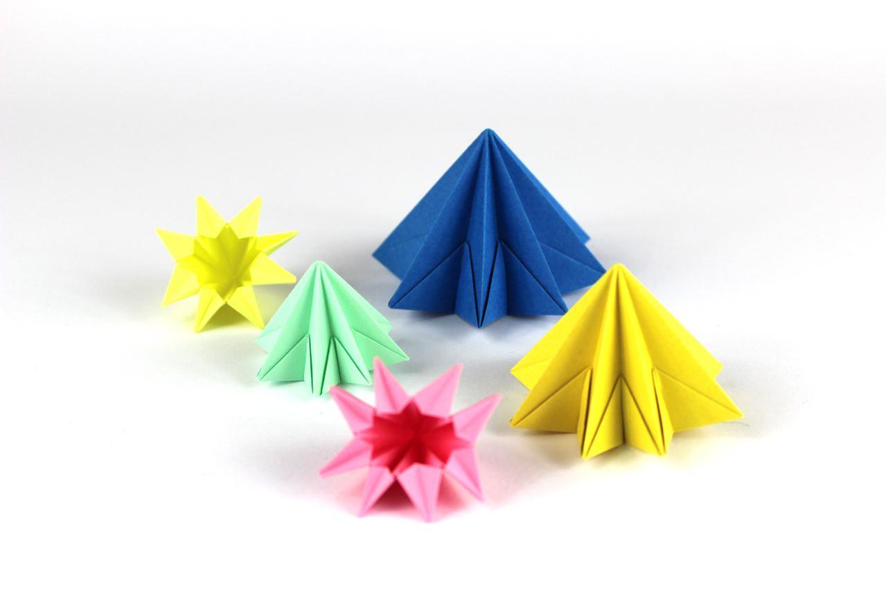 Мобиль оригами с кристаллами из бумаги