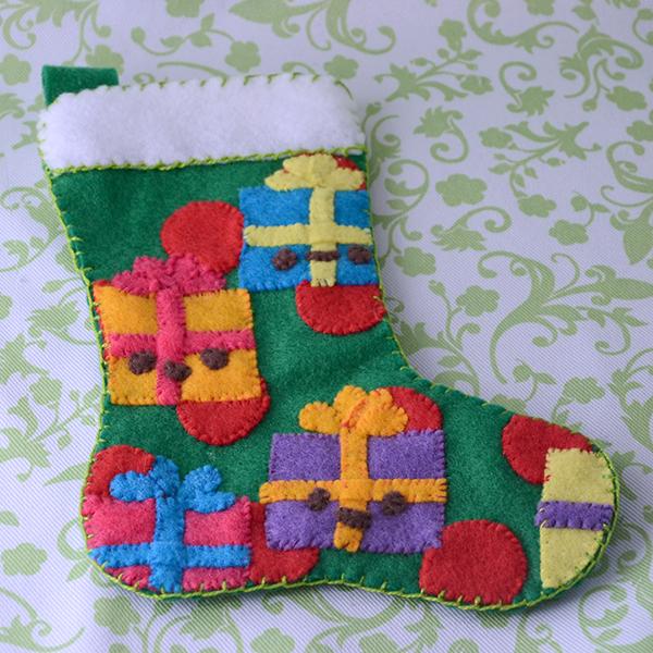 Новогодний носок из фетра своими руками