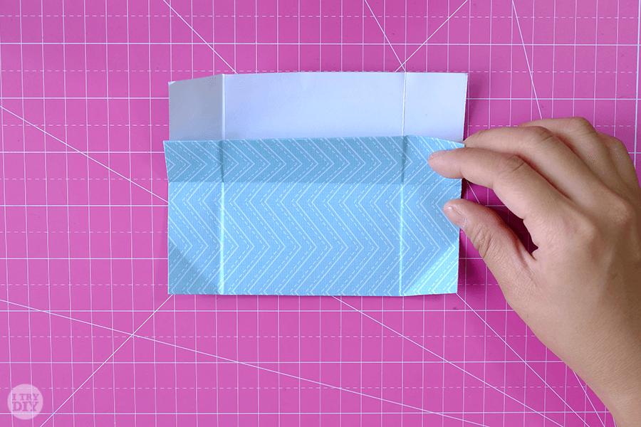 Оригами конверт для денег-раскройте лист