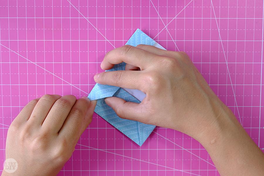Оригами конверт для денег-разгладьте складки