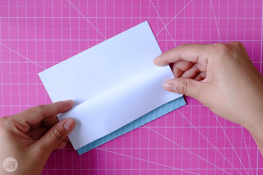 Оригами конверт для денег-подверните вчетверо