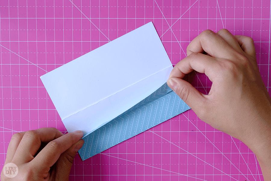 Оригами конверт для денег-загните клапан