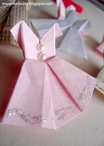 Платье оригами с украшениями