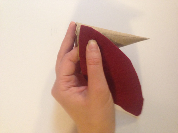 Гномики из фетра-поместите фетр на конус