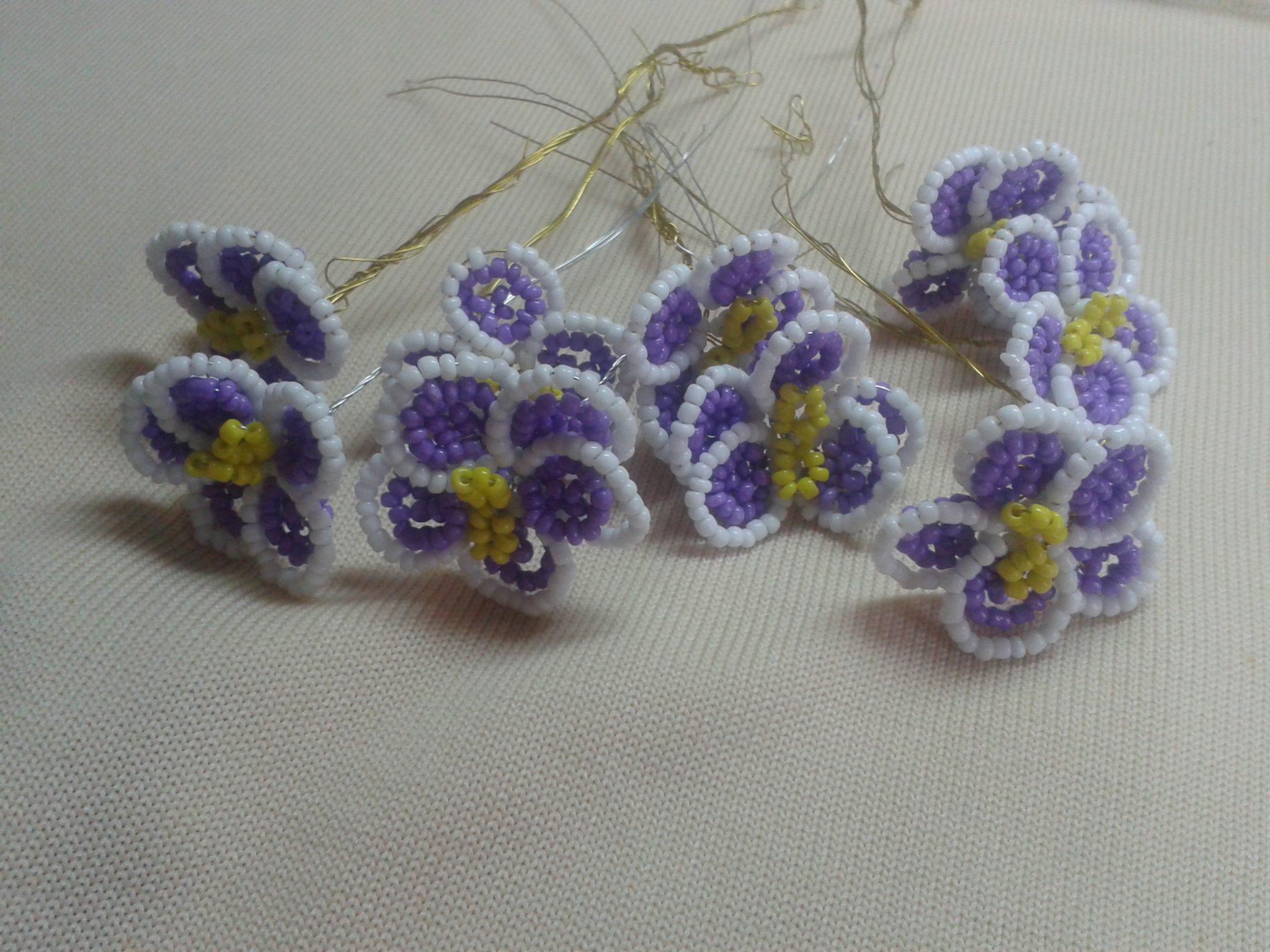 Цветок фиалки в сборе