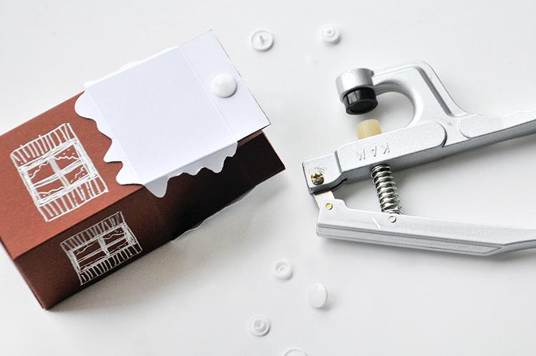 Коробочка для сладостей-закройте отверстия кнопками