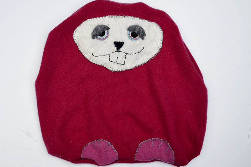 Подушка из старого свитера-сшейте подушку