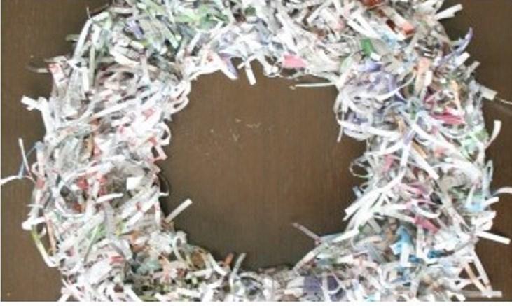 Венок из бумаги-приклейте полоски