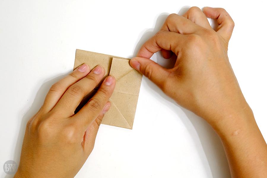 Оригами подставка для яиц-сложите второй угол